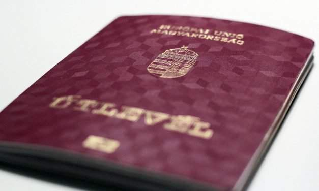 Russians, Ukrainians procuring Hungarian passports should provide photo ID, says opposition MP
