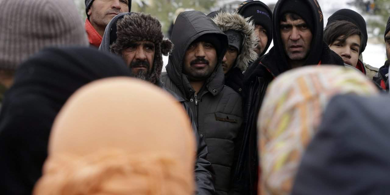 Oppostion demands W Hungary refugee camp to be closed for winter