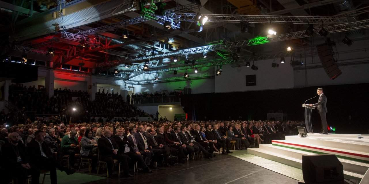 Vona rallies Jobbik – Photos