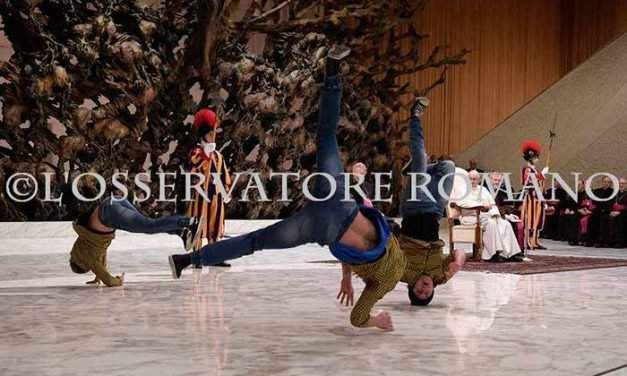 Hungarian break dancers put on a show for Pope Francis – VIDEO
