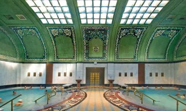 Gellért Thermal Bath and swimming pool