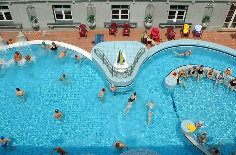 Luk Cs Thermal Bath And Swimming Pool Daily News Hungary