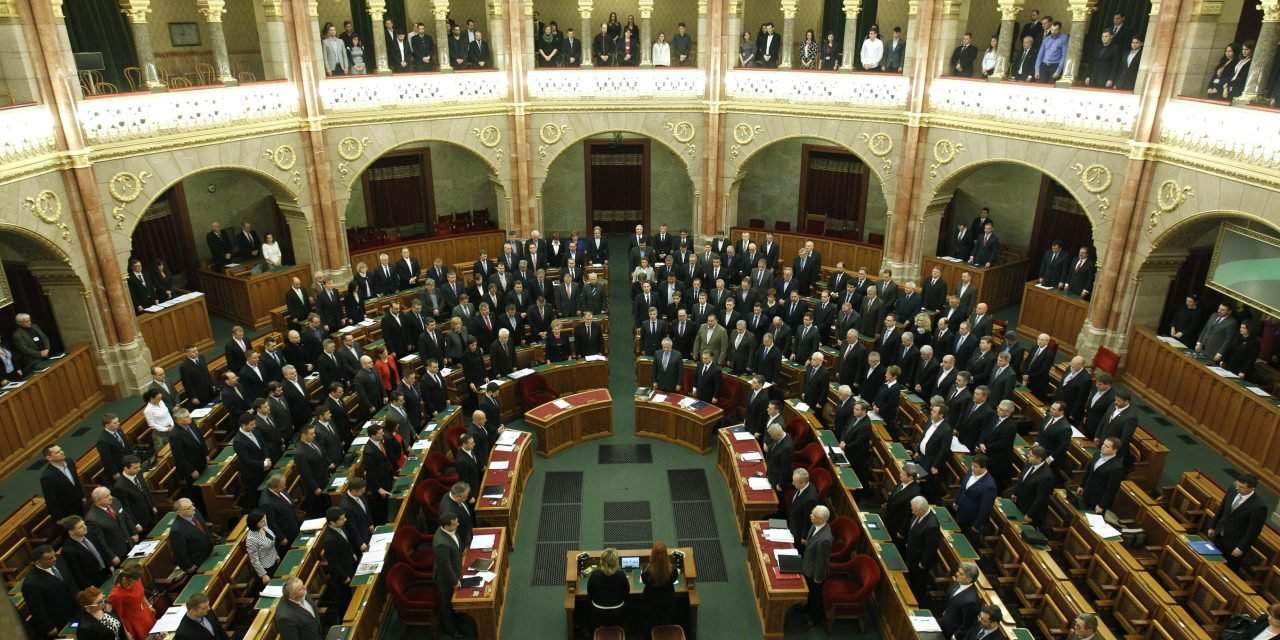 Parliament votes to strengthen border, tighten asylum rules – UPDATE