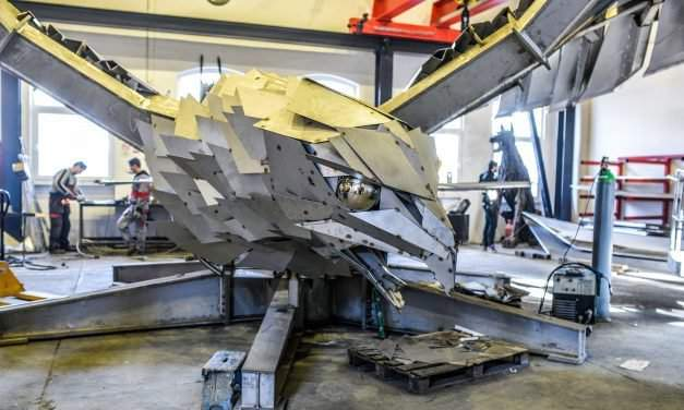 Hungarian artist to create the largest bird statue for an American team – PHOTOS