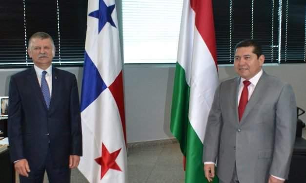 Hungary's house speaker visits Panama