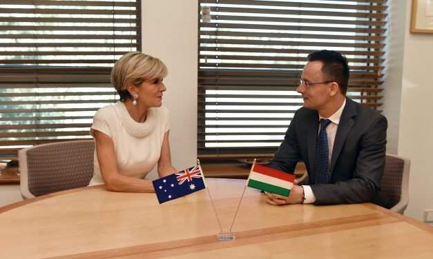 Hungary, Australia migration policies 'identical', says Hungarian foreign minister in Canberra