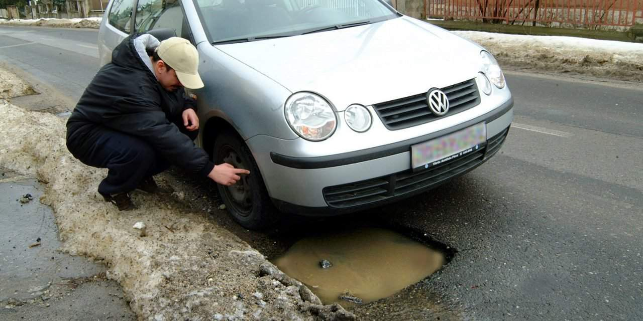 400 new potholes on the roads of Budapest each day