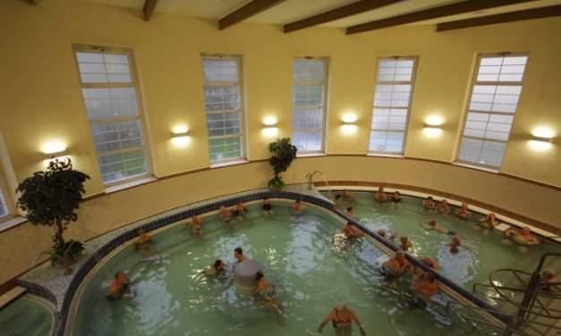 Dandár Bath