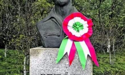 Statue of Poet Sándor Petőfi unveiled in Shanghai Lu Xun Park