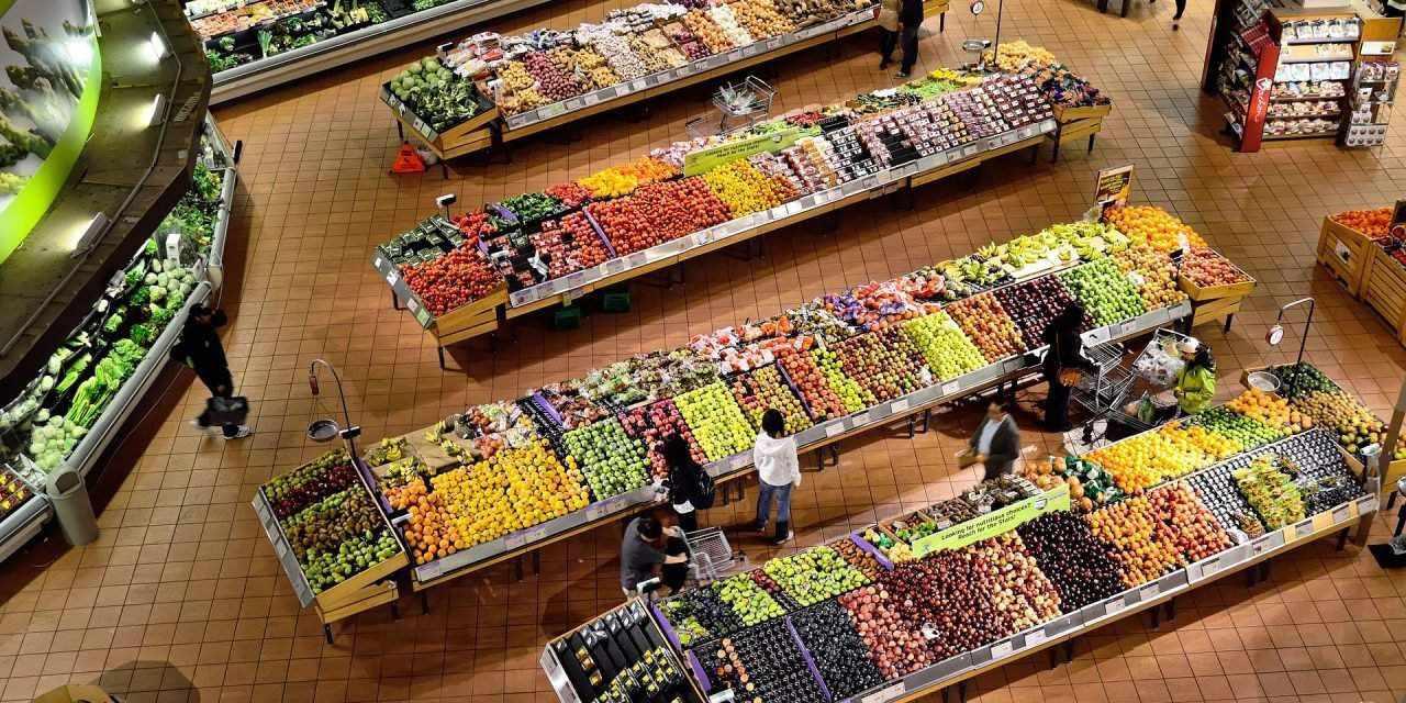 Hungary's government to consult consumers, retailers on food quality