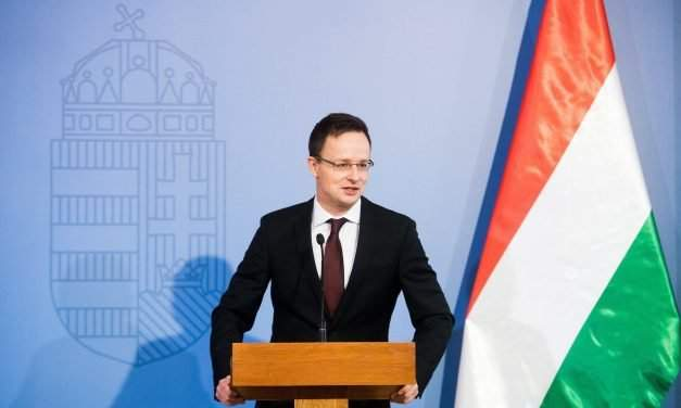 Foreign minister: Hungary's position on migration gets more popular, battle goes on