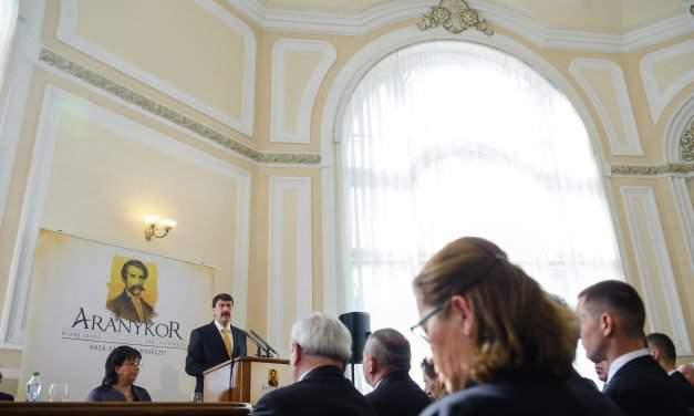 Hungarian president opens Arany Memorial Year in Transylvania