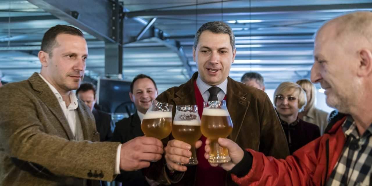 Government urges Heineken to resolve trademark dispute with Csíki Brewery through talks