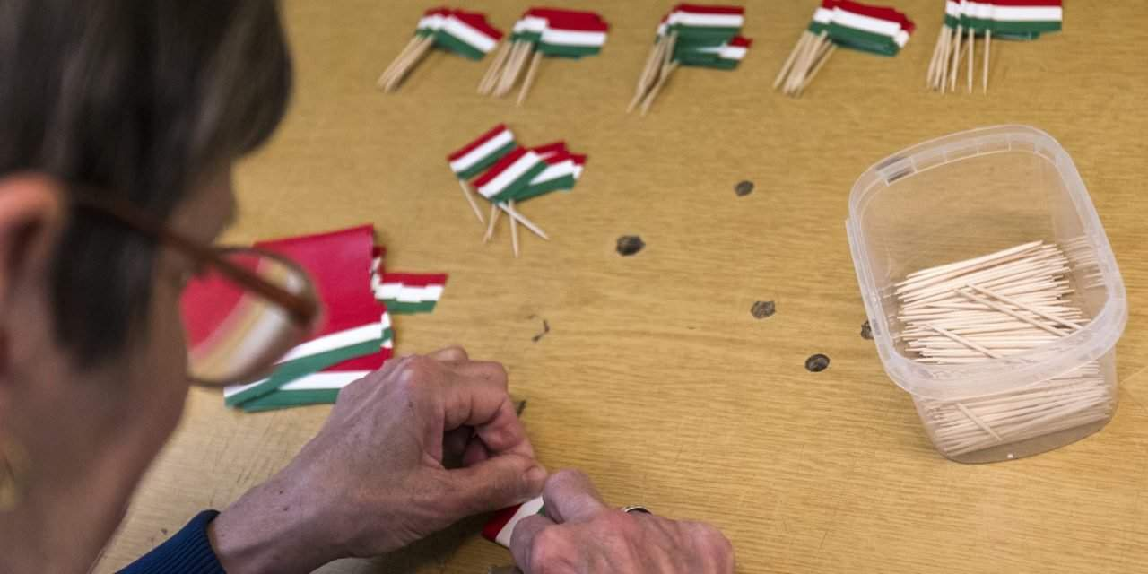 Hungarian net wages are still very low with average 589 euros