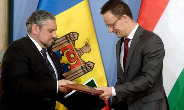 Moldova's foreign minister visits Hungary