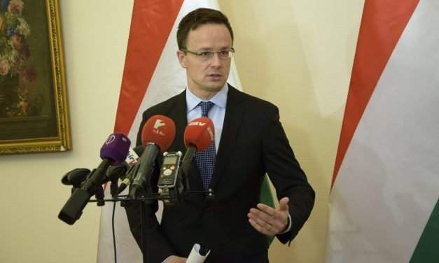 Hungarian foreign minister criticises EU for 'failed' migration policy