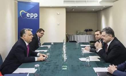 Orbán, Poroshenko discuss dual citizenship of Hungarians in Ukraine