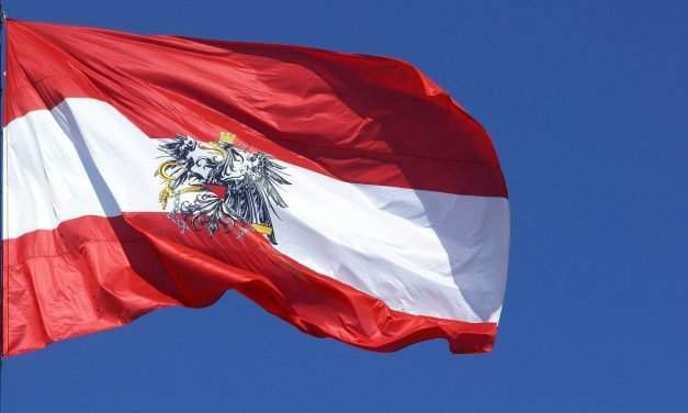 Austria re-opens four border crossings to Hungarian cars
