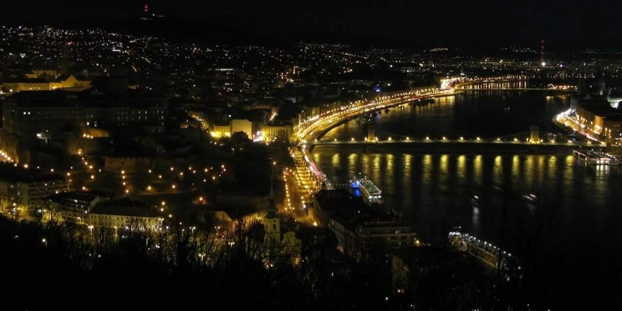 Budapest lights to be turned off Saturday evening for Earth Hour