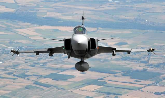 Hungary scrambles Gripens as sport aircraft enters airspace without permit
