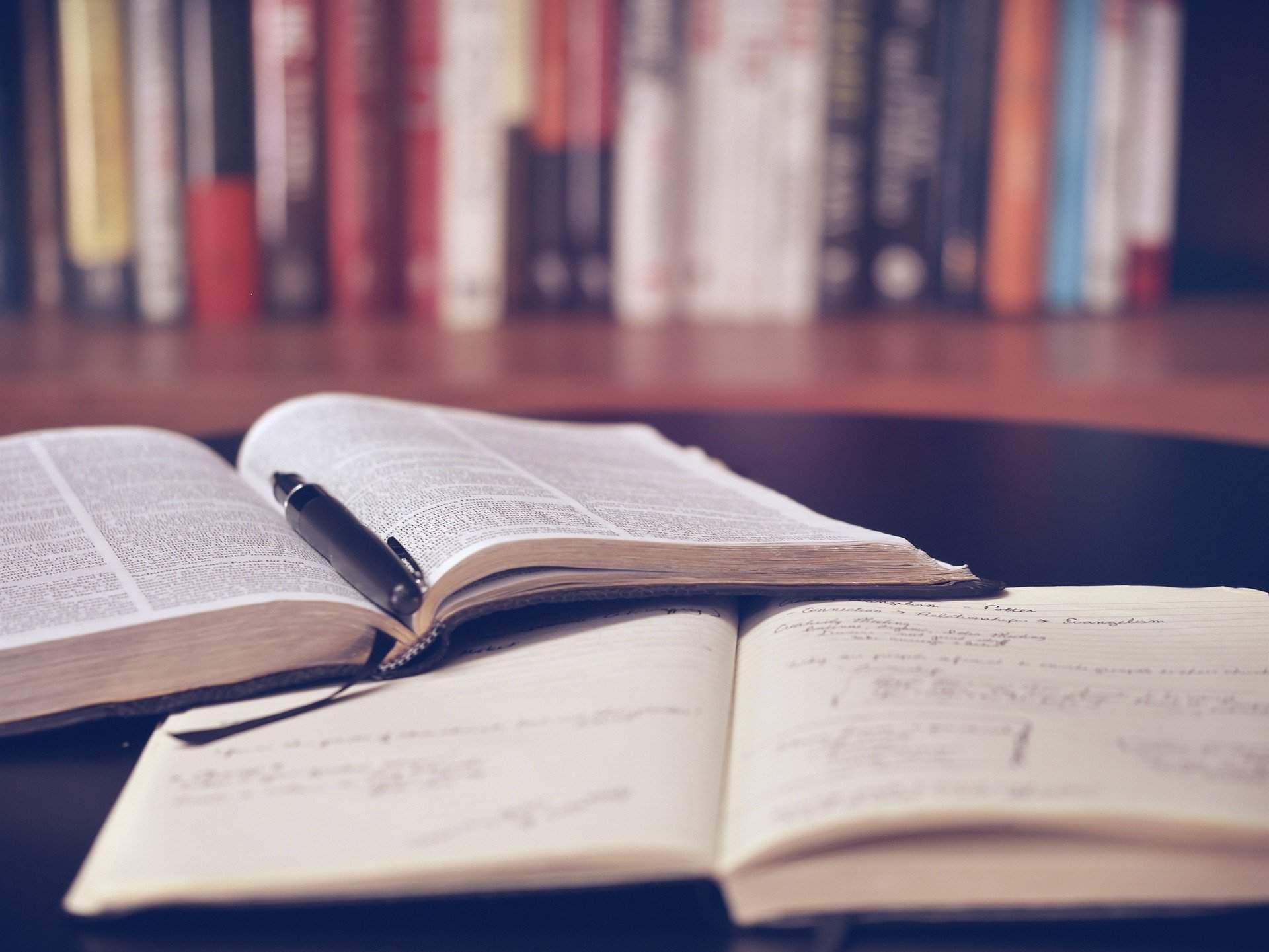 book learning school study language Hungarian