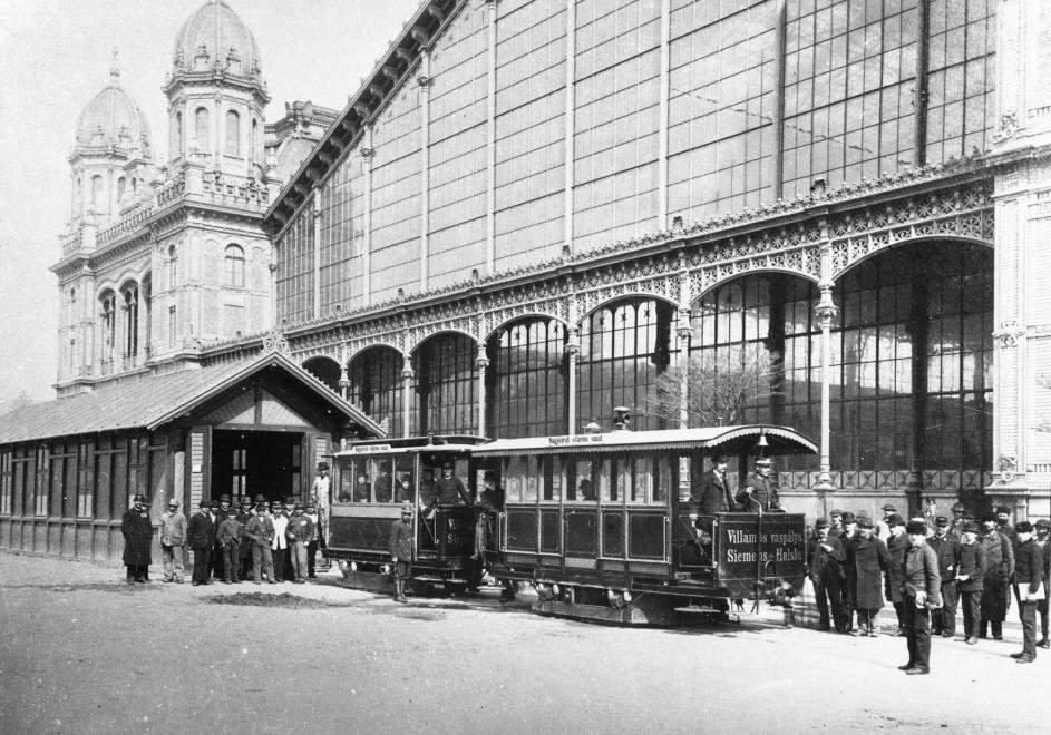 1887, at Nyugati Railway Station