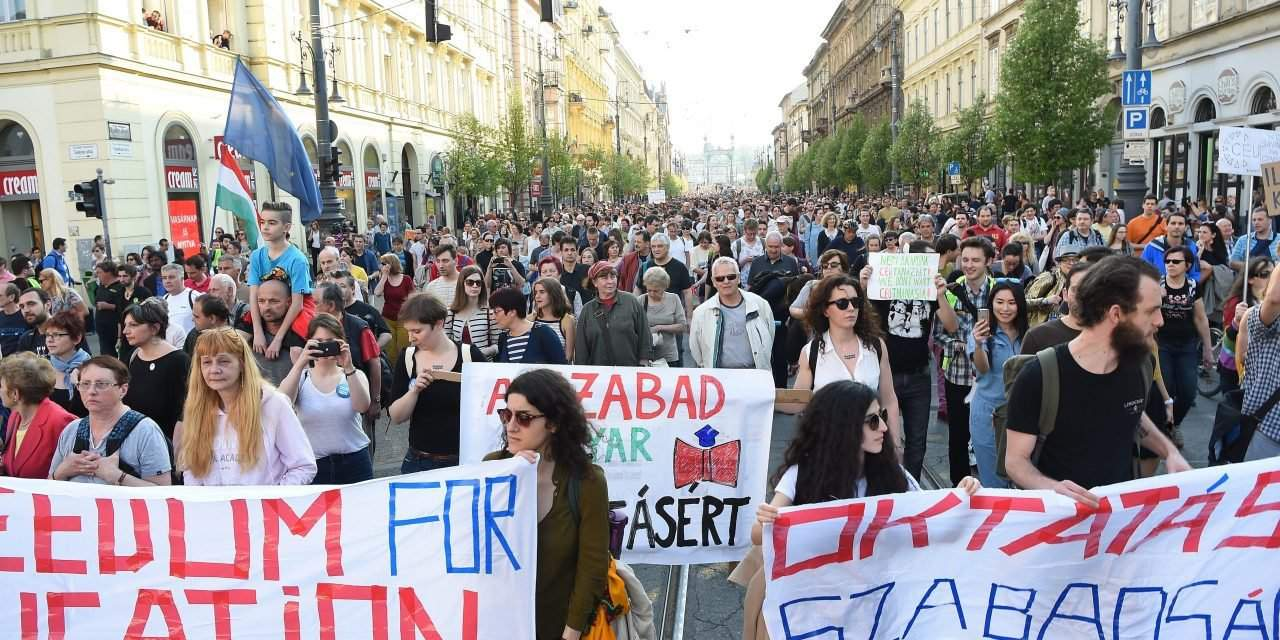 Demonstrations to close some streets in central Budapest on Monday