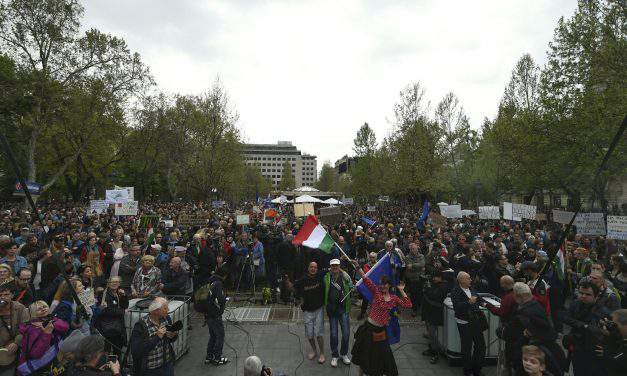Anti-govt demo under way in Budapest