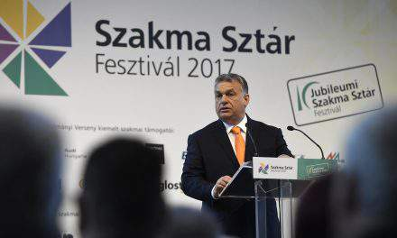 Orbán: Government to launch schemes to support digital education