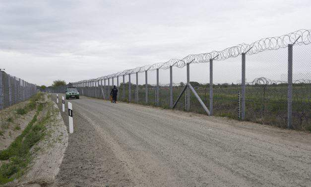 Fence at Hungary-Serbia border completed with secondary line of defence