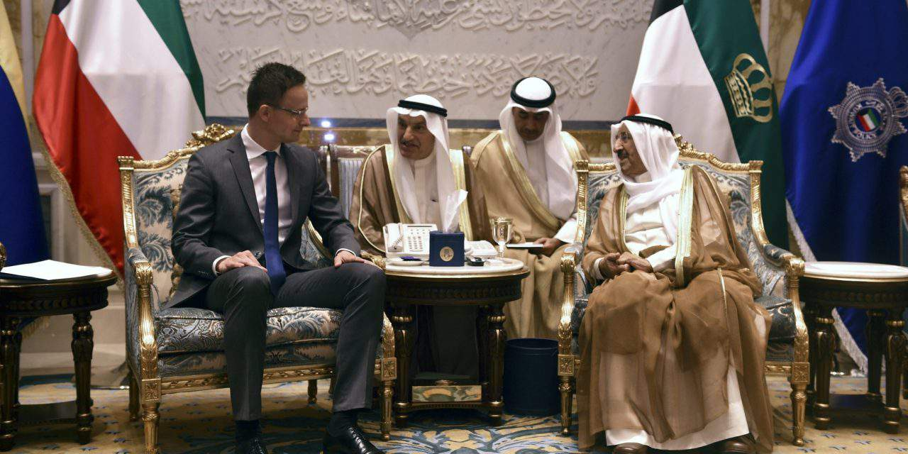 Hungary's foreign minister has talks in Kuwait