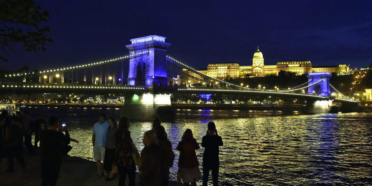 The Chain Bridge turned blue