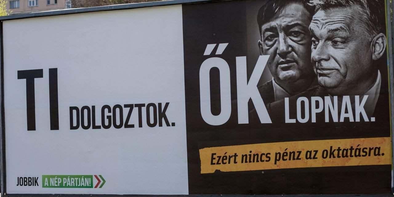 You work! They steal. – Jobbik launches billboard campaign