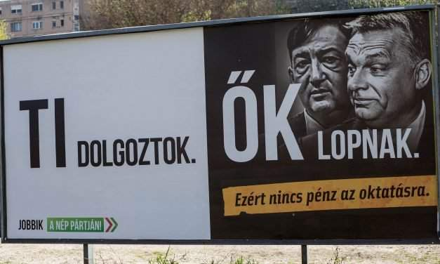 President Áder sends political billboard act back to parliament