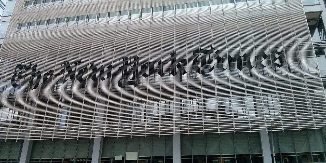 Government decries NY Times article on Hungary transit zones