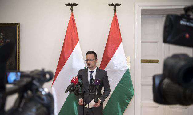 Foreign minister: Hungarian border protection represents the only solution