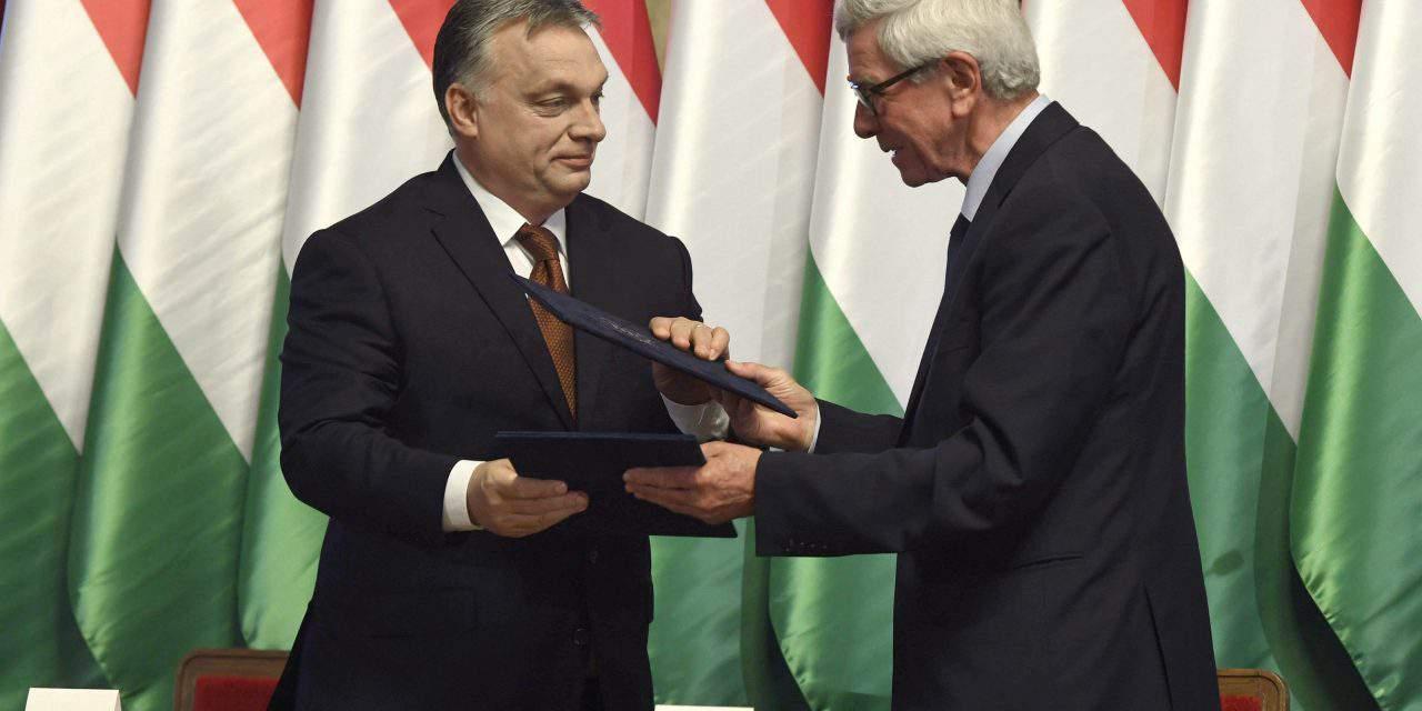 Orbán signs Hódmezővásárhely development agreement