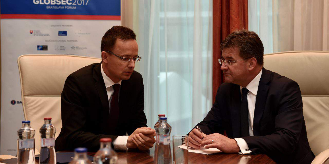 Foreign minister calls for building new bridges, roads between Hungary, Slovakia