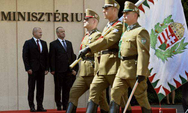 Hungarian, Slovak defence ministers discuss cooperation – UPDATE