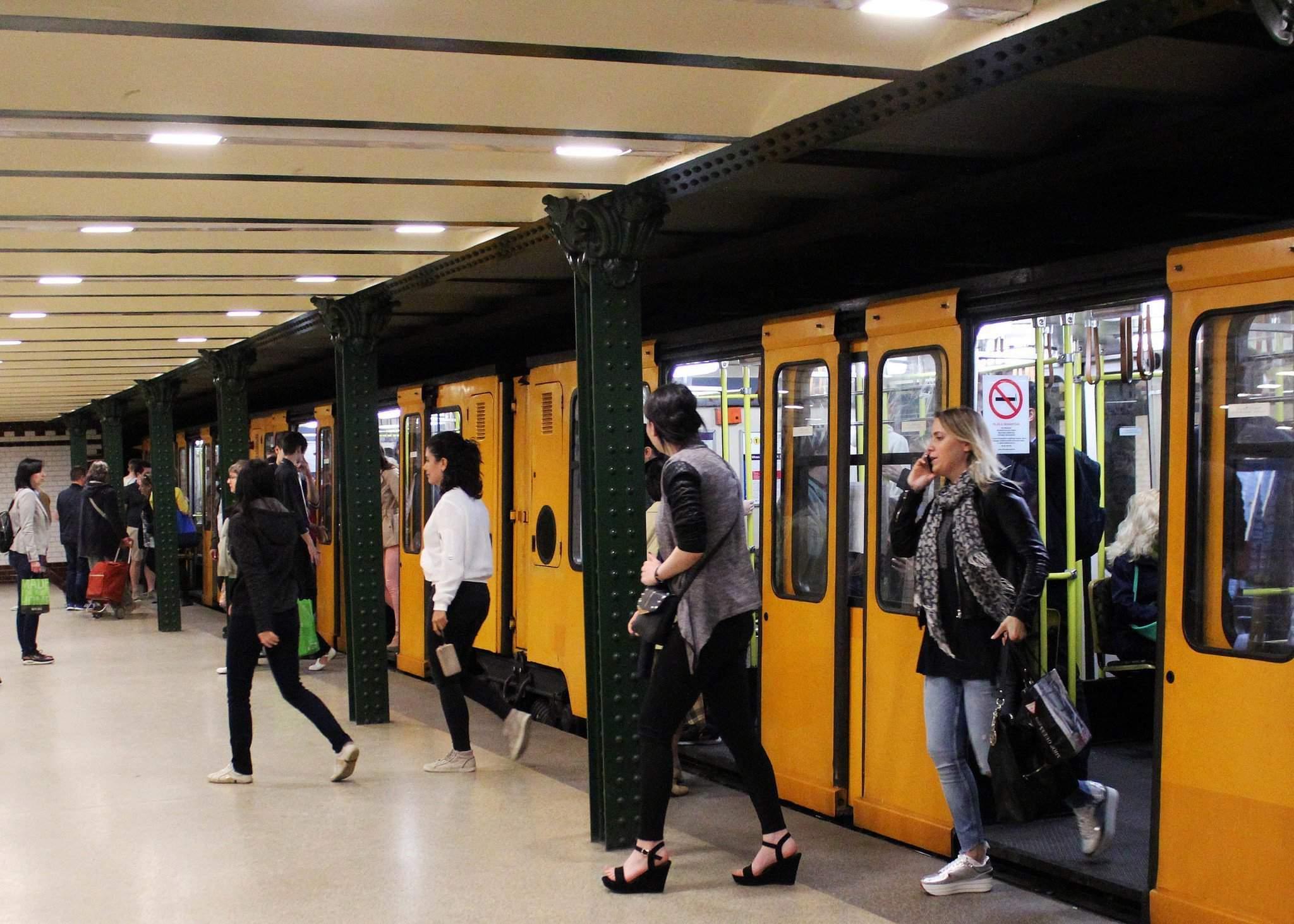 budapest-metro-undergound railway-bkk-bkv 2