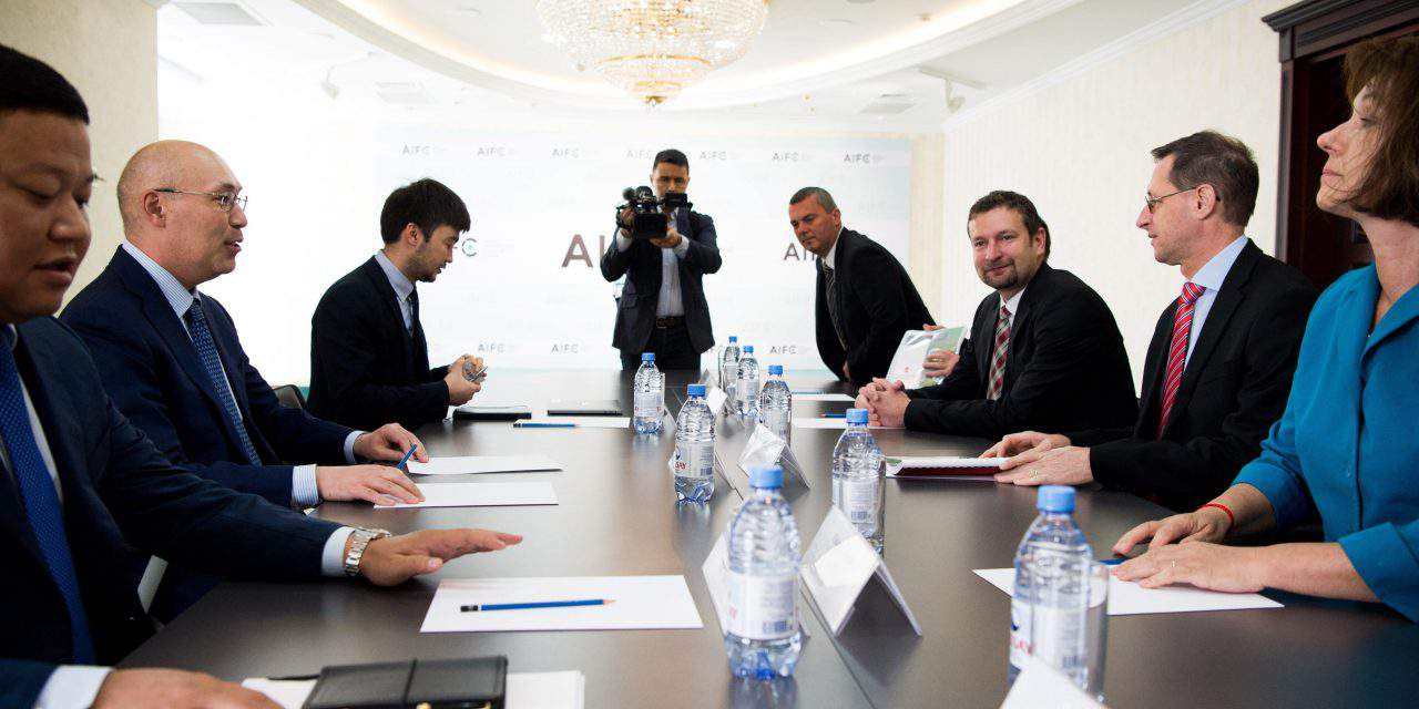 Economy minister at talks to strengthen Kazakh-Hungarian economic ties