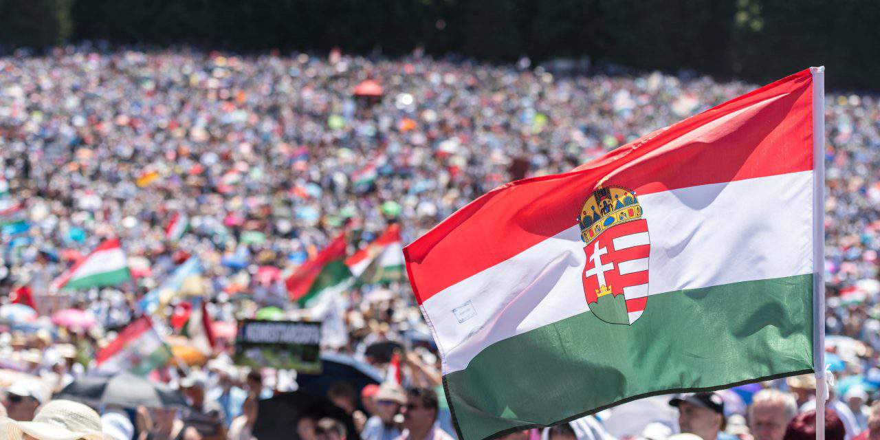 Hundreds of thousands of Hungarian believers in Csíksomlyói búcsú – PHOTOS
