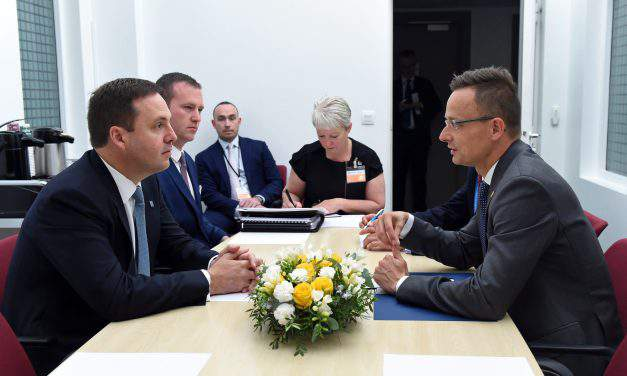 Hungary's foreign minister: EU must sign free trade deals with Australia, New Zealand before Brexit