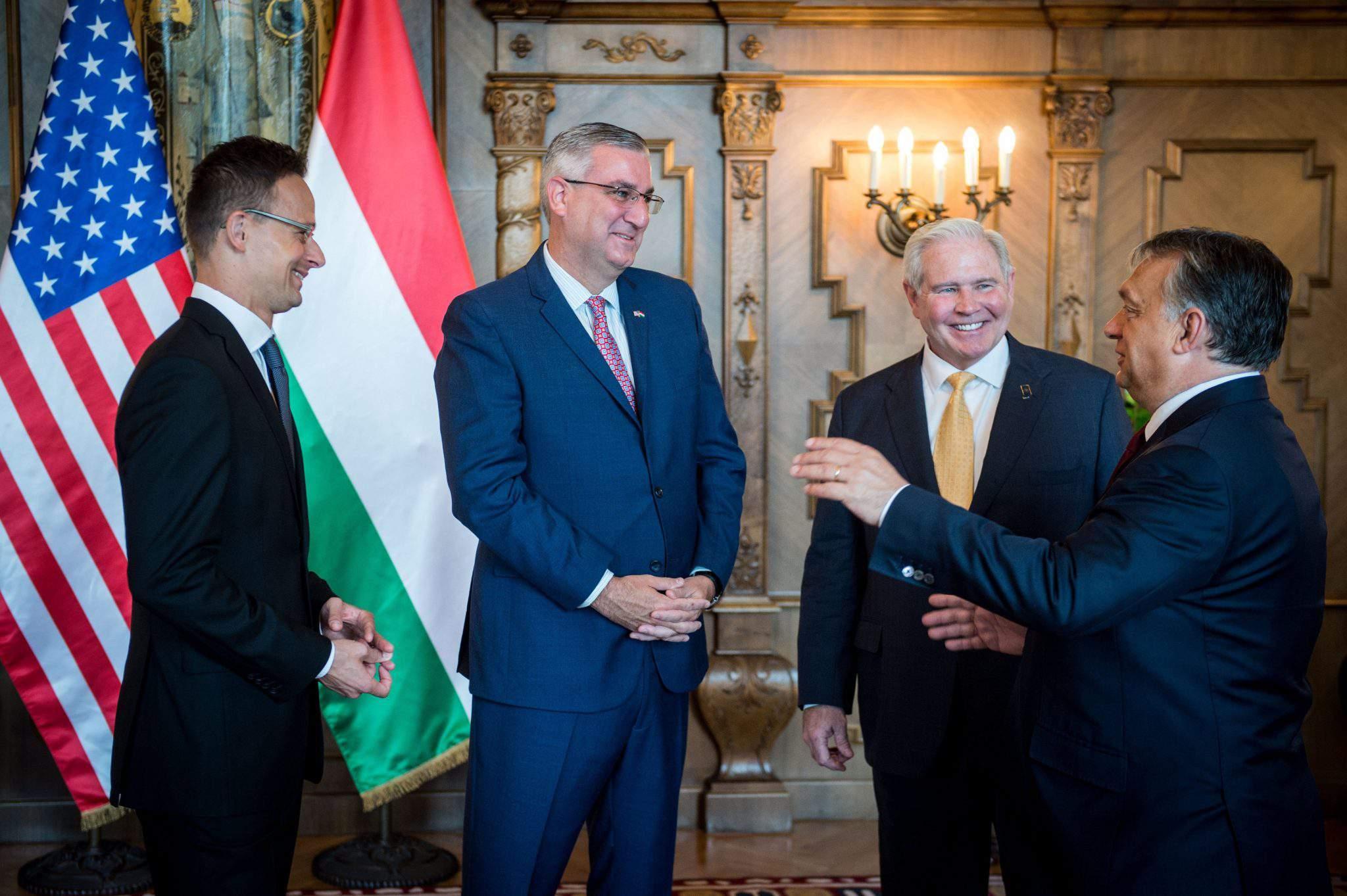 Szijjártó Péter; Orbán Viktor