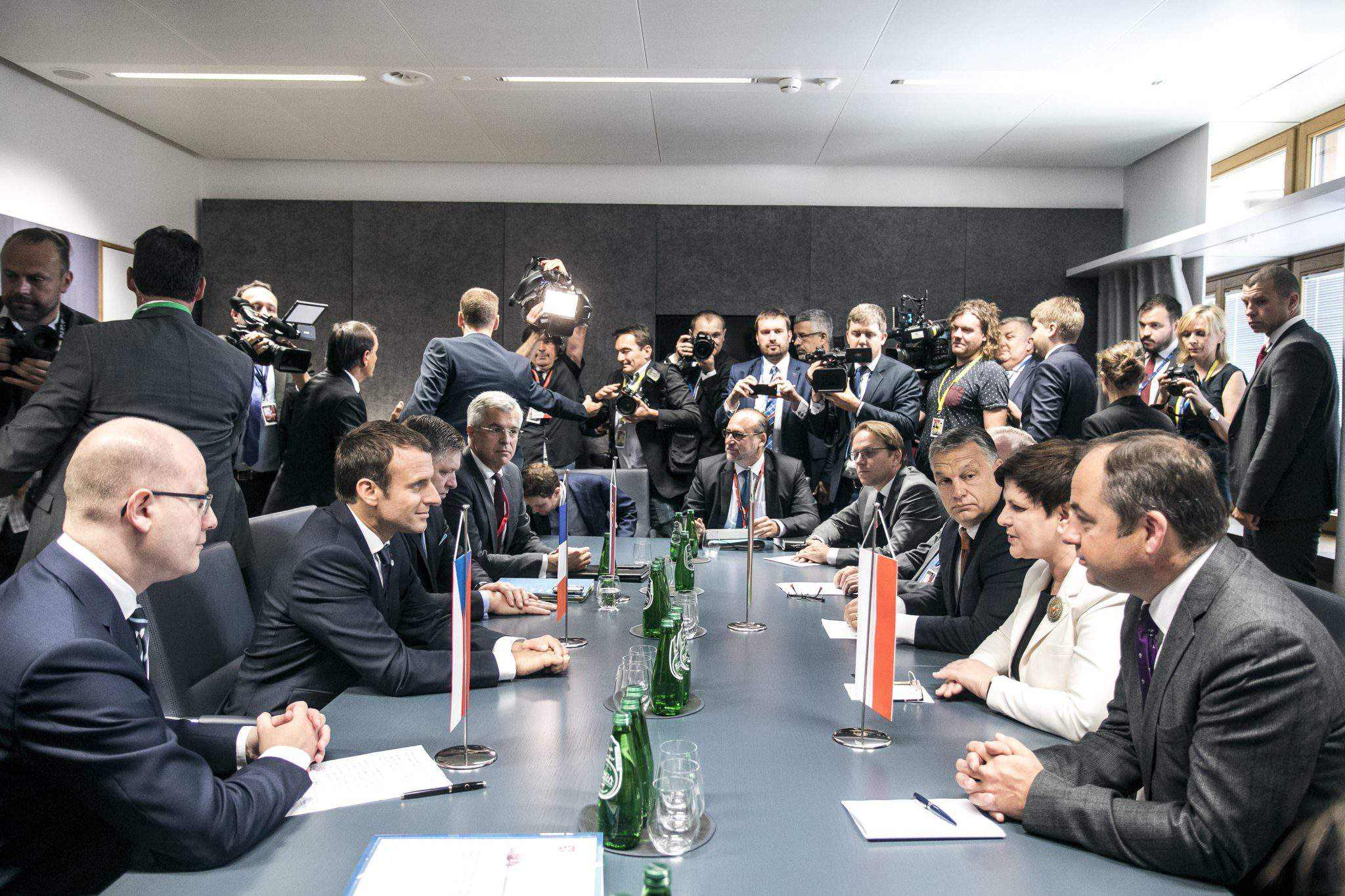 MACRON, Emmanuel Orbán