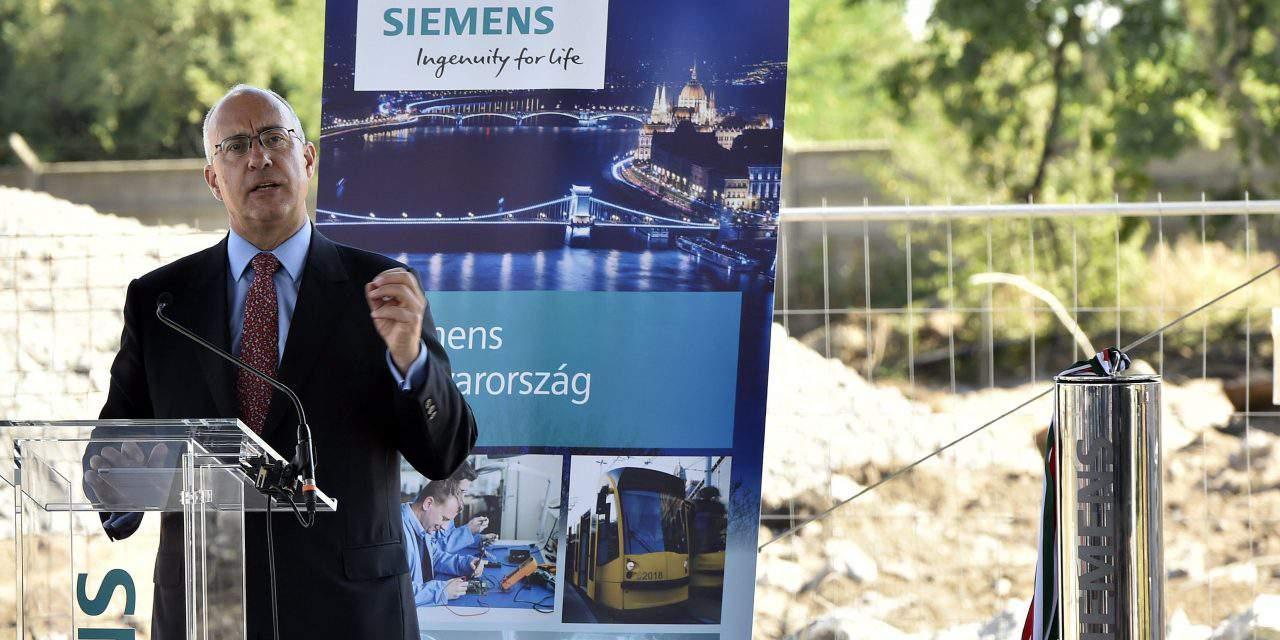 Cornerstone of Siemens turbine blade plant laid in Budapest