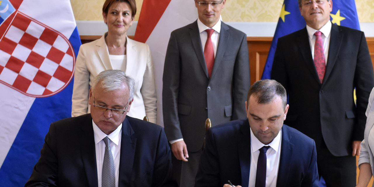 Hungary, Croatia sign declaration of intent on reverse gas flows