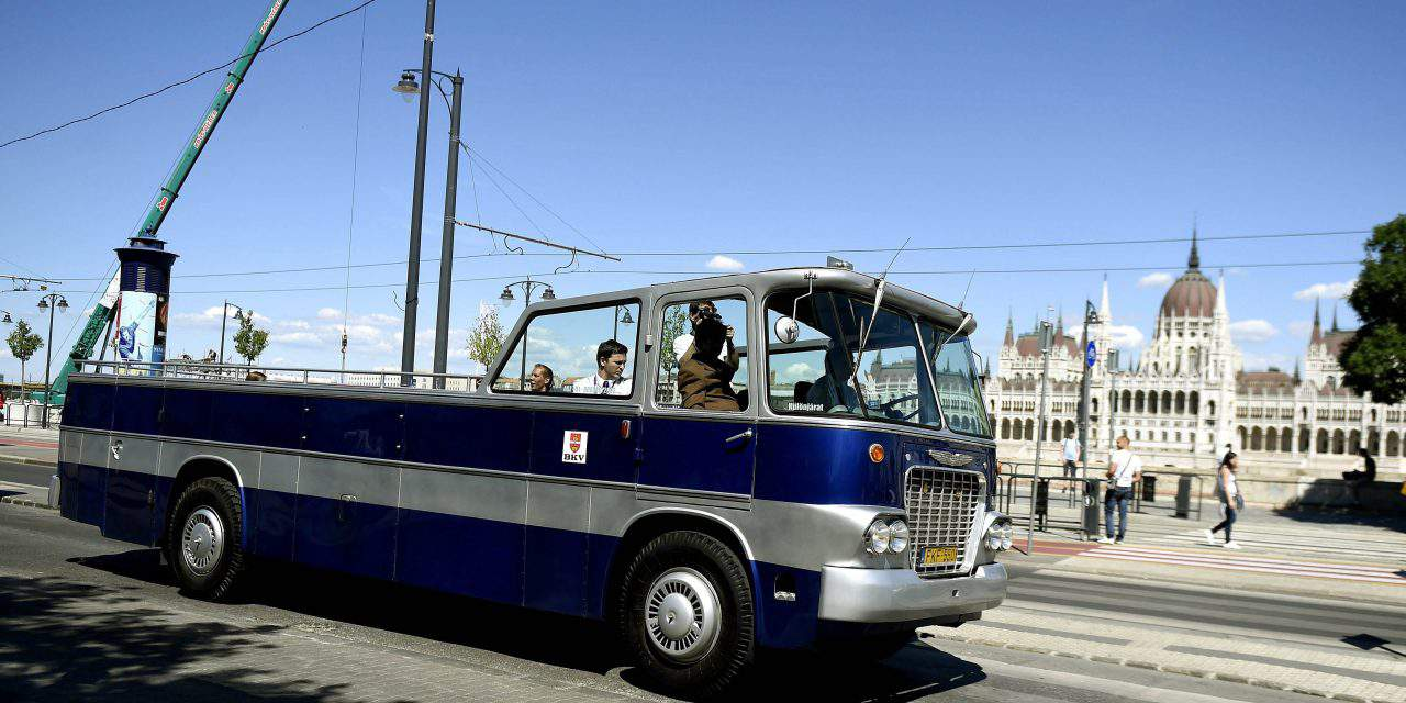 Sunshine, Budapest, Heritage Services, a convertible bus… Convertible?! Yes!