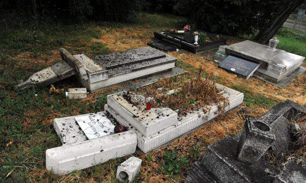 Orbán condemns vandalisation of Serbian cemetery
