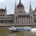 Spectacular, fast and free boat cruises in Budapest during the FINA World Championships